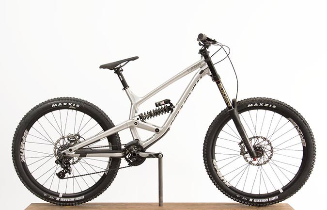 FURIOUS RACE 650B BRUSHED 2018 ALC ROCKSHOX (L)