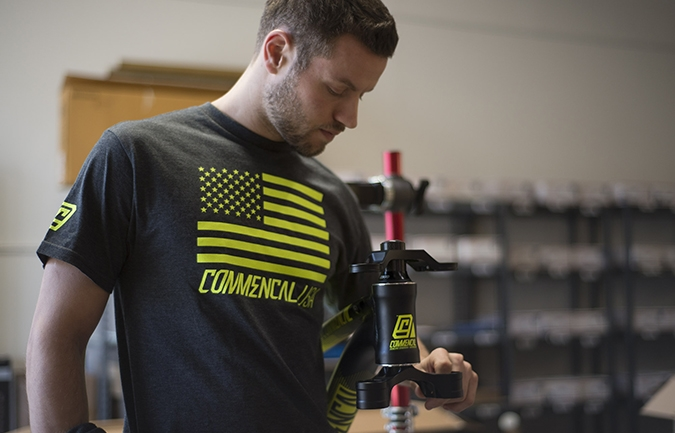 T- SHIRT COMMENCAL USA