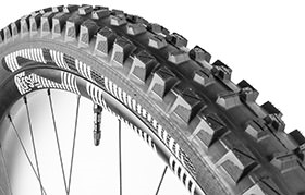 E13 TRS+ 27,5X2.35 TRIPLE COMPOUND 60 TPI TYRE