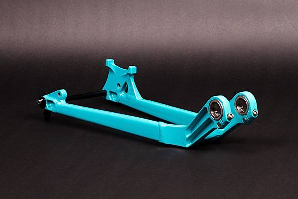 BLUE CHAINSAYS, 150 mm REAR WHEEL AXLE, WITH MECH HANGER, for FURIOUS
